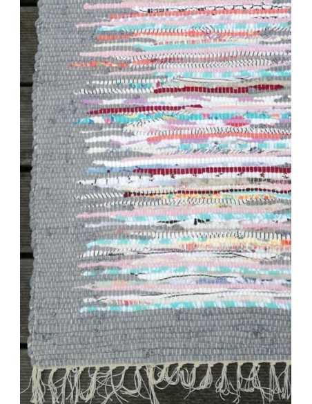 alfombra detalle gris